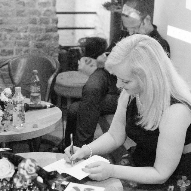 sesiune de autografe